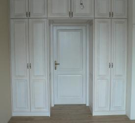 Šatník, dvere, skrinky